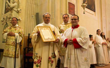 Le Comunità di San Giacomo e San Rocco (e tanti amici!) strette attorno a Don Roberto per il 50° di Ordinazione